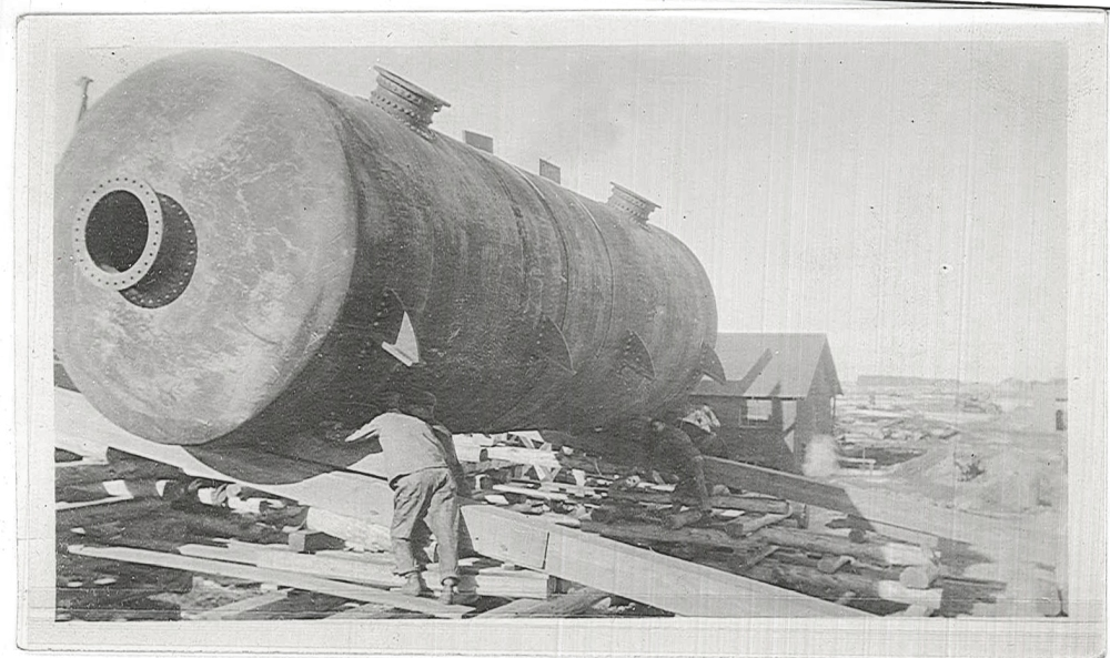 These tanks were 10' in diameter, 30' in length.